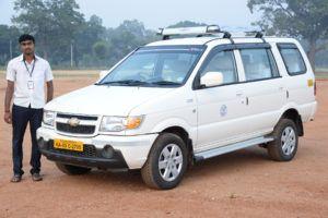 tavera-taxi-in-mysore